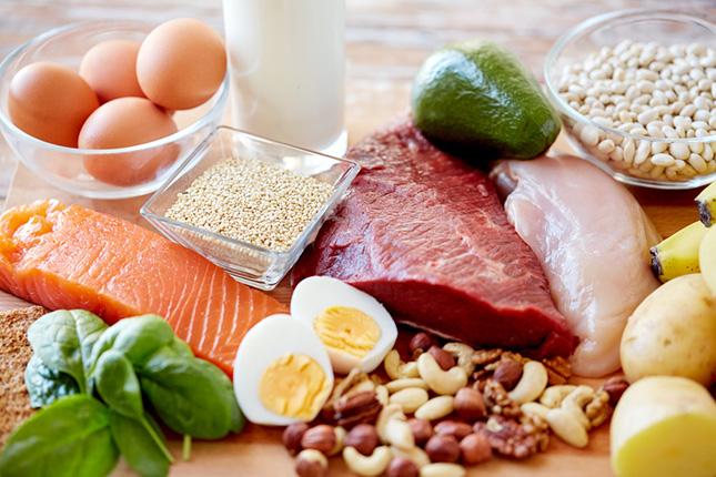 タンパク質を多く摂ると太る?